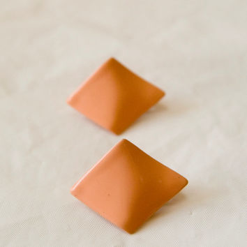 Vintage Clip On Earrings Peach Colored Metal Triangles