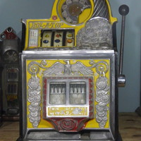 1930's Antique Slot Machine Watling Coin Front Rol-A-Top With Eagle Motif