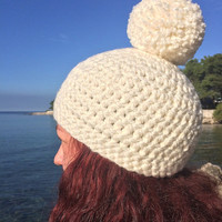 pom pom beanie,white winter hat,warm ski hat,white knit hat,white chunky beanie,white pom pom,white winterbeanie,white winterhat,men beanie