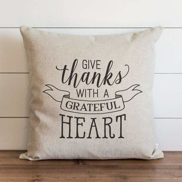 Fall Pillow Cover // Give Thanks With a Grateful Heart