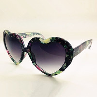 Heart Shape Flora Print Frame Sunglasses Black