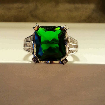 Beautiful Emerald Green Engagement Ring w/White Sapphires Set In Sterling Silver Size 8