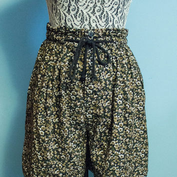 Energie High Waisted/Wide Leg Floral Shorts