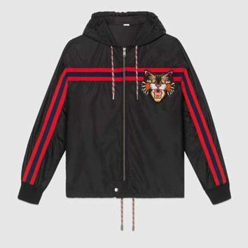 VONE05T9 GUCCI Women/Men Nylon windbreaker with Angry Cat applique