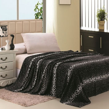 Safari Animal Print Ultra Soft Grey Leopard Queen Size Microplush Blanket