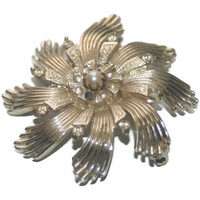Vintage Flower Brooch, Gold Tone With Rhinestone and Pearl