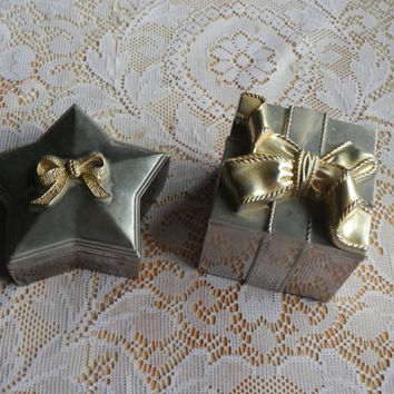 Pair Of Vintage Red Velvet Lined Treasure Trinket Boxes  Jewelry Vanity GODINGER Silverplate Square Present Gold Bow Star