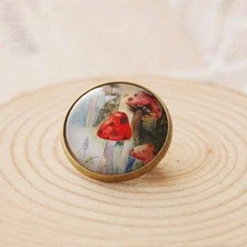 Red Mushroom Pins Alice in Wonderland Vintage Metal Brooches DIY Glass Cabochon Jewelry Birthday Gifts Mothers Day xz10