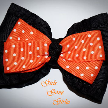 Halloween hair bow , black and orange bow , Halloween baby , girls Halloween bow , toddler Halloween , boutique bow , Halloween hair clip