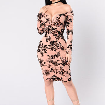 Growing Addiction Dress - Mauve