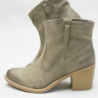 Desert Pull Up Ankle Boots