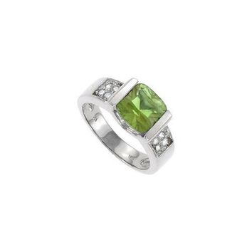 Peridot and Diamond Ring : 14K White Gold - 3.00 CT TGW