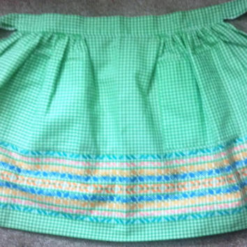 Vintage Reversible Apron with Green Gingham - Very Cute - Circa 1960s