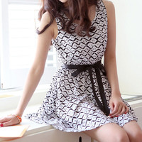 Sleeveless Black and White Wavy Stripes Belted Chiffon Dress