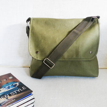 Khaki Green Waxed Canvas Messenger bag Travel bag by ottobags
