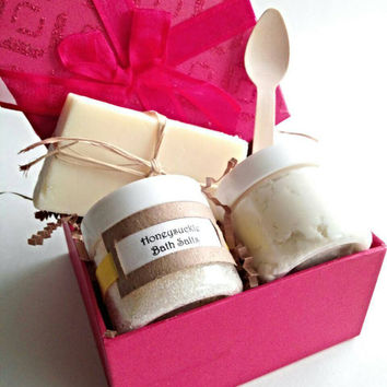 Honeysuckle bath gift set, bath salts, body butter, gift for best friend, girlfriend gift, teen gift, mom gift, bridal shower gifts,