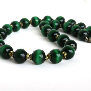 Vintage Emerald Green Lampwork Glass Bead Necklace Molded Italian Murano Venetian Art Glass Heavy Beads Barrel Clasp Choker