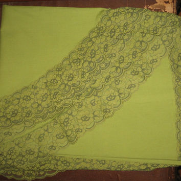 Avocado Green Tablecloth  Lace Trim vintage 60s Mid Century by Bardwil New Old Stock 68 x 88 Oval Table Cloth