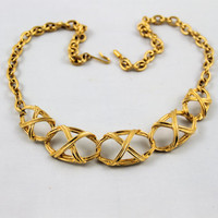 Vintage 60's gold tone chain link bib collar necklace chunky never used like new excellent hook clasp