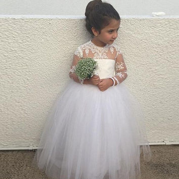 Lace New Arrival A line Ivory Long Tulle Flower Girl Dresses with Long Sleeves Girls Pageant Dress Cheap communion dresse