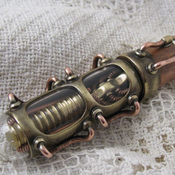 Steampunk USB flash drive with glowing interior and curved glass window. 32 GIG. Brass, copper and glass. Waterproof.