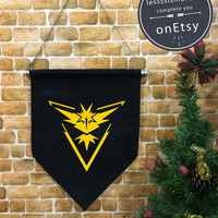 Pokemon go baner flag hanging wall banner flag, Team Yellow, Team Instinct, Instinct, wall hanging decoration, Pokémon Décor, funny gifts
