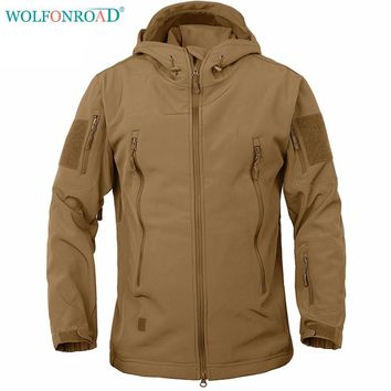 WOLFONROAD Men Outdoor Sport Camo Jacket Tactical Softshell Jacket Outdoor Hunting Military Jacket Waterproof Hiking Jacket Coat