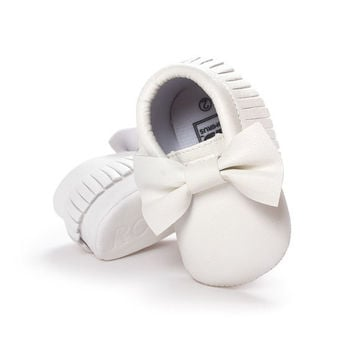 White Bow Moccasins, Baby Moccasins, Toddler Bow Moccasins, White Moccasins, White Baby Shoes, Vegan Soft Sole 3-18 months Infant Shoes Gift