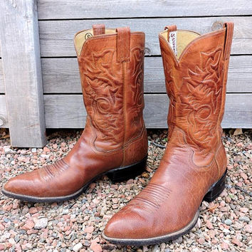 Vintage handmade cowboy boots mens 9.5D / Sanders Mexico hand crafted cowboy boots / tooled custom brown leather western boots