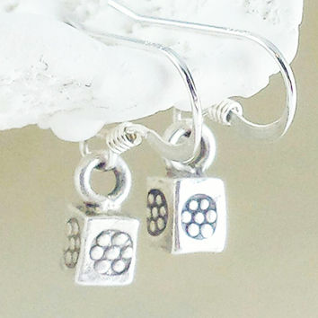 Karen Hill Tribe Silver Earrings,Hill Tribe Silver Jewelry,Karen Bead,Hill Tribe Silver Flower Charm Earrings,Sterling Silver Earring,Ethnic