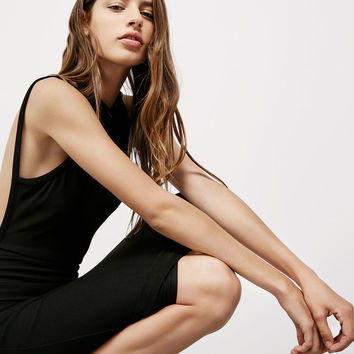 High neck, open back dress - Party looks - Bershka Germany