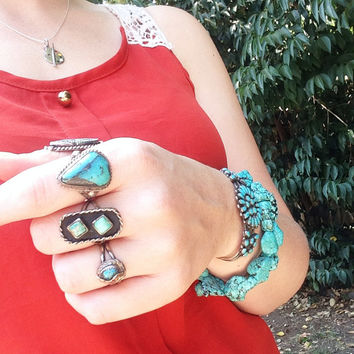 Double Blue Turquoise Ring // sky blue teal turquoise ring with golden white matrix and picture frame antiquing, Vintage Turquoise Ring