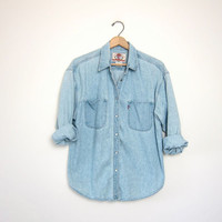 Vintage Light Wash Levis Shirt. Pearl snaps. Boyfriend Shirt. Oversized Denim Shirt. Womens Levis Denim Shirt. Slouchy Jean Shirt. Large