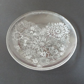 Spring heart,  Hand engraved on glass Dish, Wedding housewarming gift,  Living room ideas, Collectible glass, New home gift, Couple gift