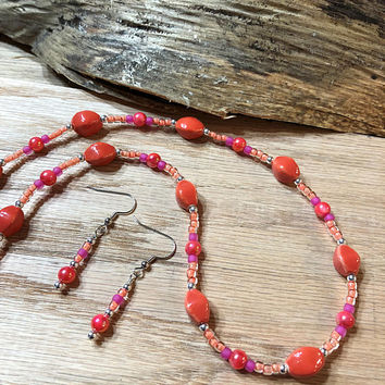 Pink and Orange Beaded Necklace set, Pop Art Inspired Necklace Set, Shell Bead Necklace, Seed Bead Necklace, Ceramic Bead Necklace