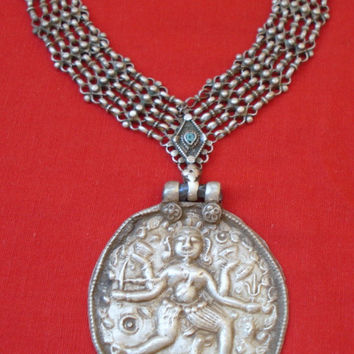 vintage antique tribal old silver pendant necklace choker traditional jewelry