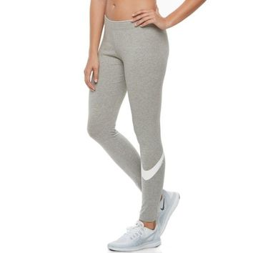 ONETOW Women's Nike Sportswear Club Swoosh Leggings