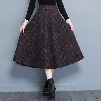 M-4XL Plus Size Women Skirts Autumn Long Woolen Plaid Skirts Women High Waist Pockets Winter Warm Vintage OL A Line Skirts