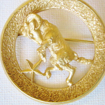Vintage Signed Crown Trifari Aries Goldtone Zodiac Brooch