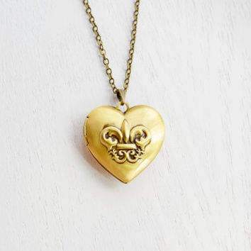 Fleur de Lis Locket Necklace,Sorority Necklace,Sister Necklace,Heart Locket,Heart Jewelry,Saints,French Paris Locket,Old Fashion Locket