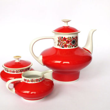 Vintage Freiberger Porcelain Red Floral Set of Sugar Bowl with Lid, Creamer Cup and Coffee Pot Made in Germany Democratic Republic.
