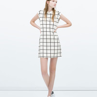 DRESS WITH CONTRASTING COLLAR New