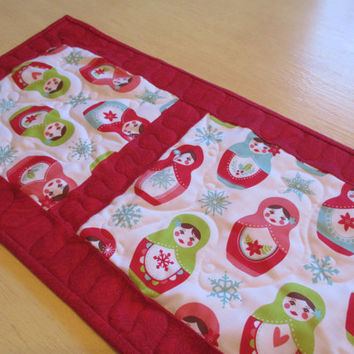 Red And White Christmas Table Runner , Matryoshka