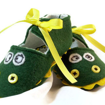 Green Baby Booties Dinosaur Monster Felt Baby by LittleDogLaughs