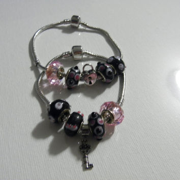 Pink and Black Heart Lock and Key Charm and Glass Bead Matching Bracelet for Couple / Best Friends / Anniversary Wedding Valentine day Gift