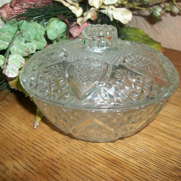 Covered Candy Dish Clear Pressed Glass Ornate Hearts Roses Diamonds Fleur de Lis Crown Knob Depression Glass Serving Dish Home Decor