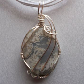 Gray & White Lace Agate by elainesgems on Etsy