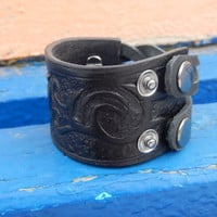 Black leather bracelet with embossing, leather bracelet, wide leatehr bracelet, leather cuff, кожаный браслет, FREE SHIPPING