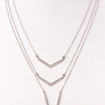 TRIPPLE SILVER LAYERED V NECKLACE