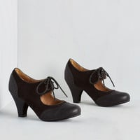 Vintage Inspired It's a Sure Fete Heel in Black